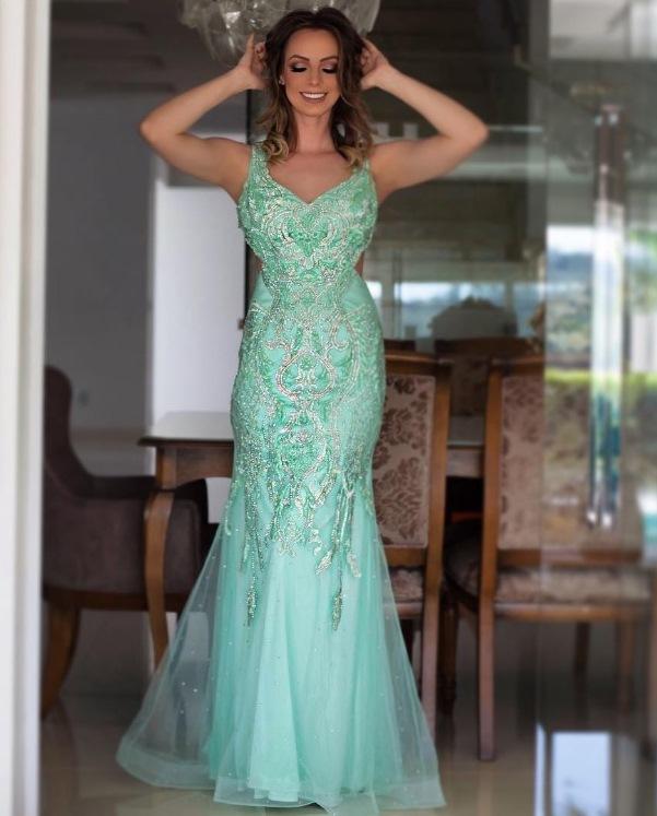 Vestido de madrinha verde agua longo