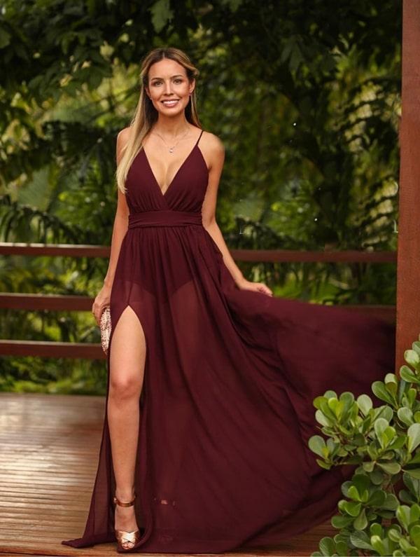 vestido longo marsala com transparência nas pernas