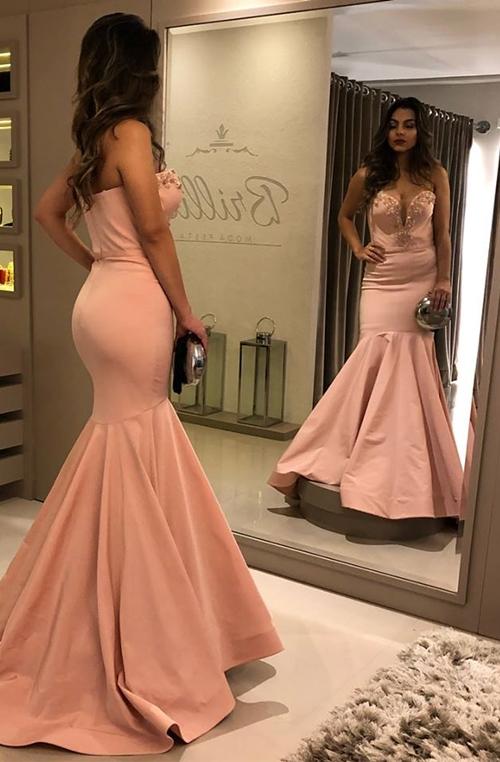 vestidos de festa em vários tons de rosa