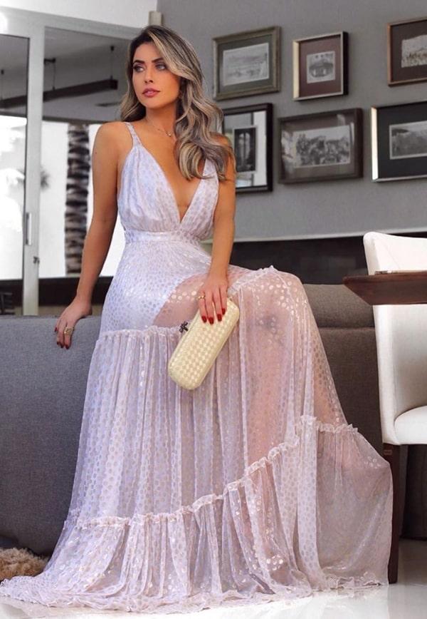 vestido branco longo com transparência nas pernas