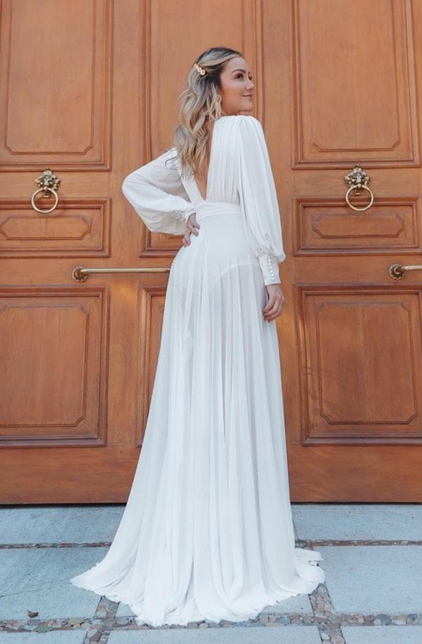 vestido branco longo com transparência na saia para pré wedding