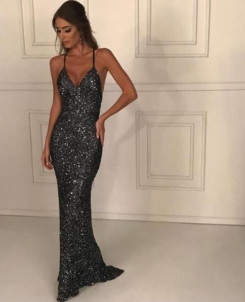 vestido longo com brilho preto