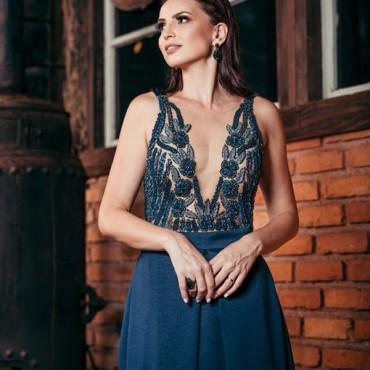 10 vestidos de festa azul para madrinhas e formandas