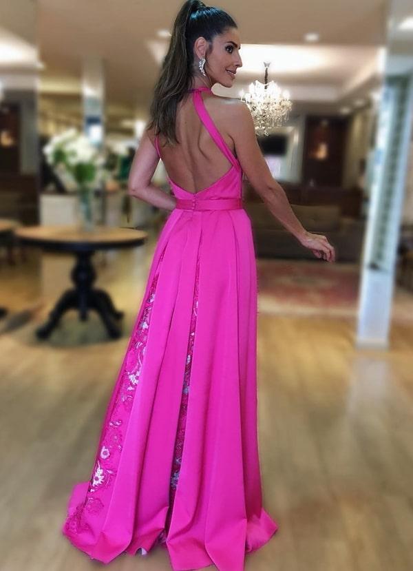 vestido de festa longo pink com decote nas costas