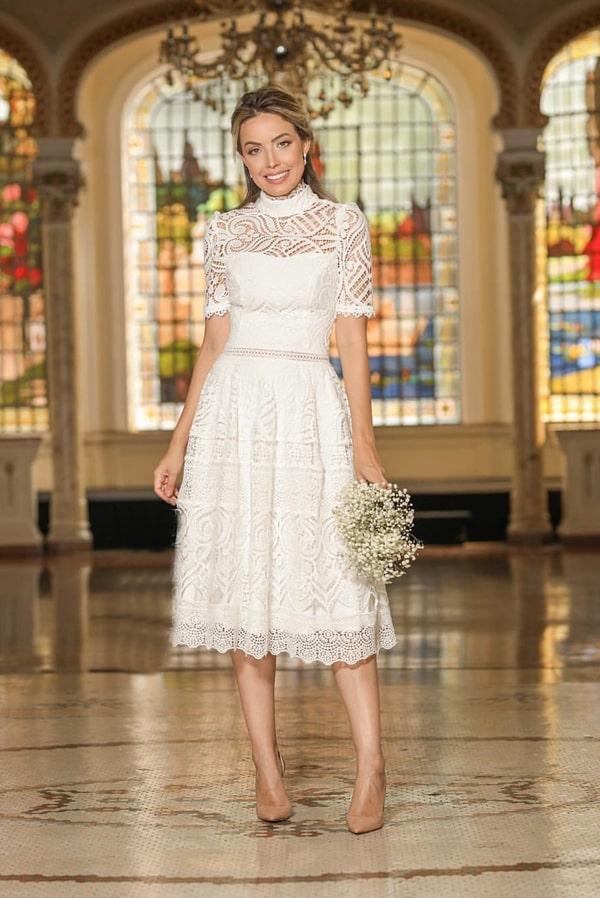 vestido branco midi rendando para noiva