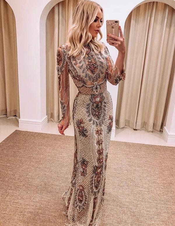 vestido de festa com manga longa bordado