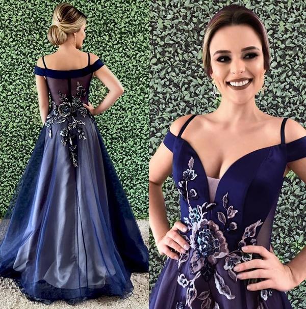 Vestido de festa azul marinho estilo princesa