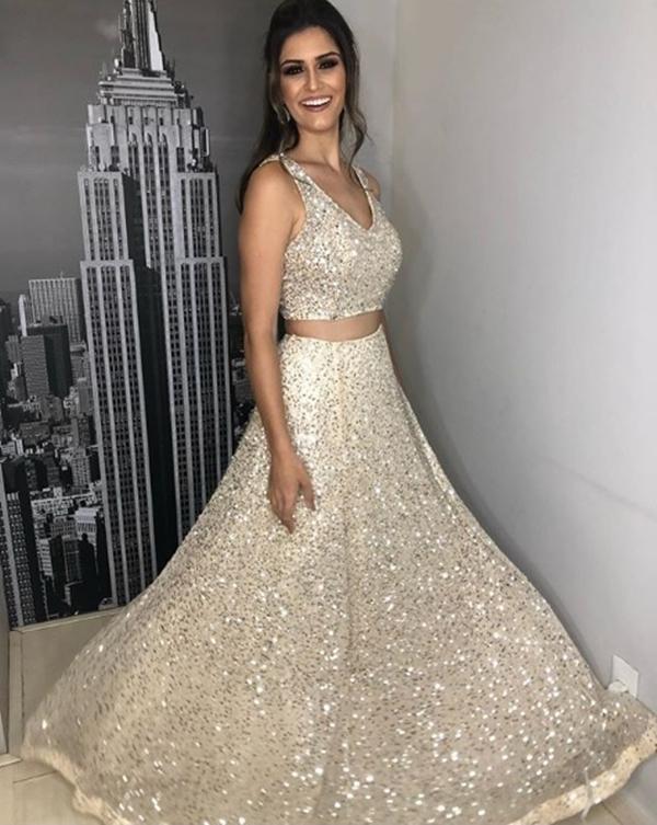 vestido de debutante dourado cropped