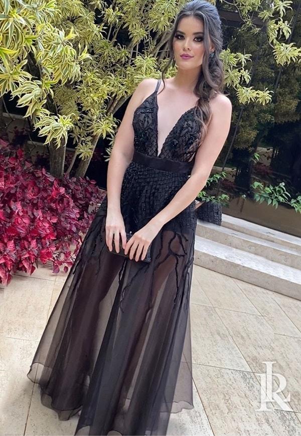 vestido de festa longo preto com transparência na saia