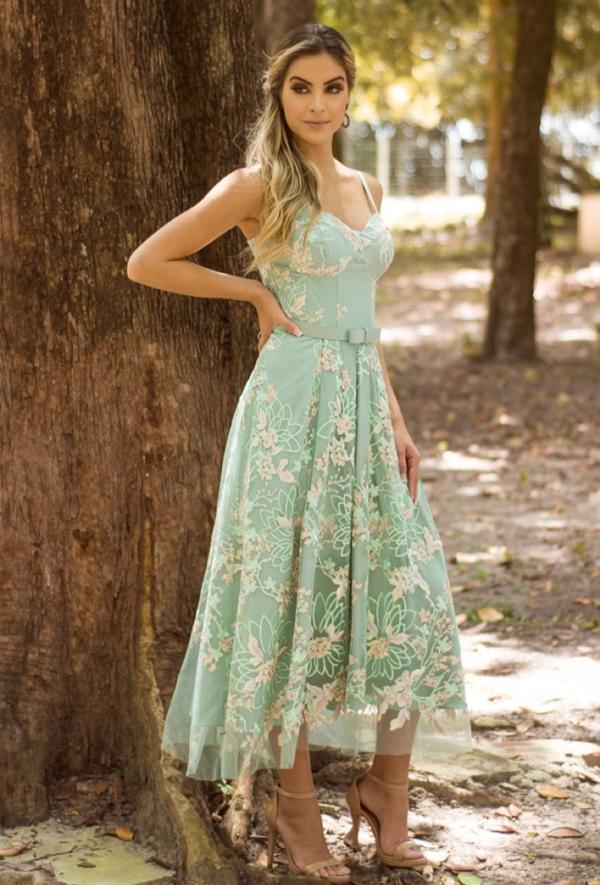 vestido de festa midi verde claro