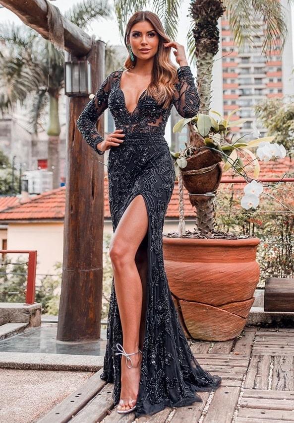 vestido de festa longo preto bordado com fenda