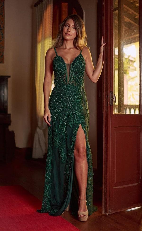 vestido de festa verde esmeralda justo bordado