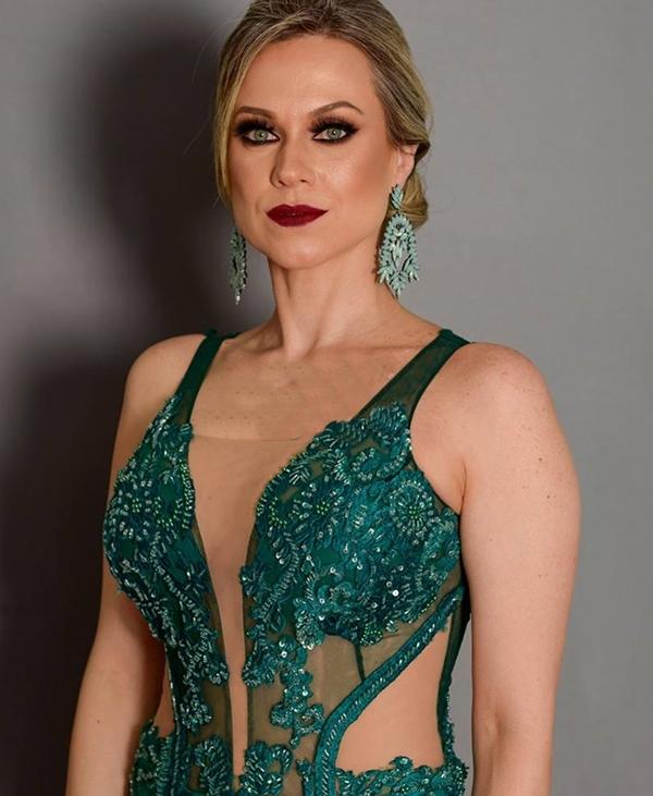 vestido verde esmeralda formatura