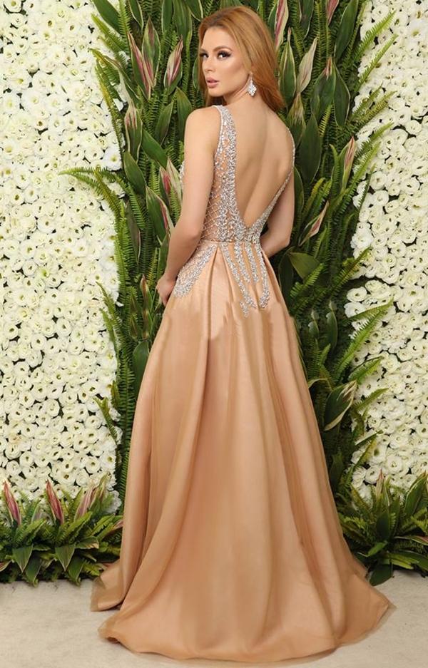 vestido de festa com fenda estilo princesa saia ampla