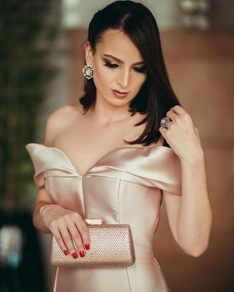 vestido de festa decote ombro princesa