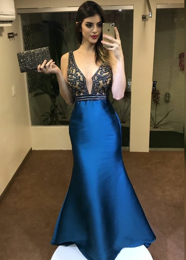 vestido longo azul sereia