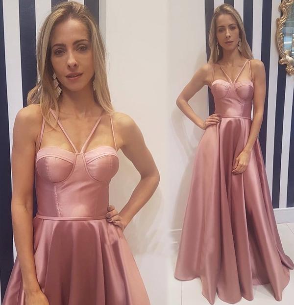 vestido longo rosa estilo corpete