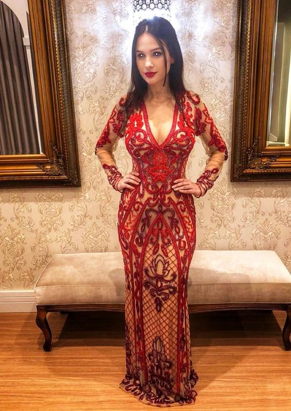 vestido de formatura vermelho com manga