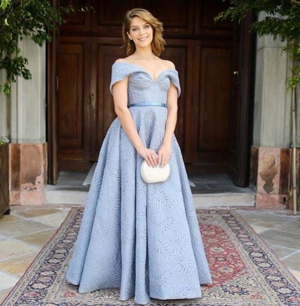 vestido princesa longo azul claro
