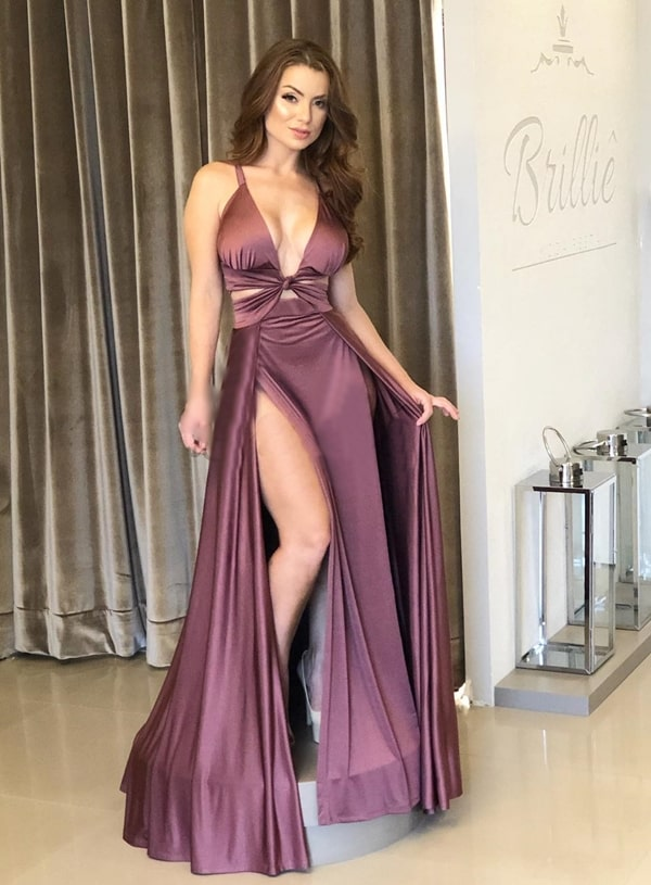 Vestido Com Fenda Fotos Modelos E Tendências 2019 Pronta