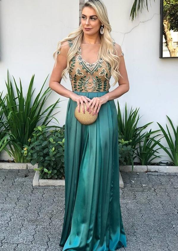 vestido verde longo com manguinha