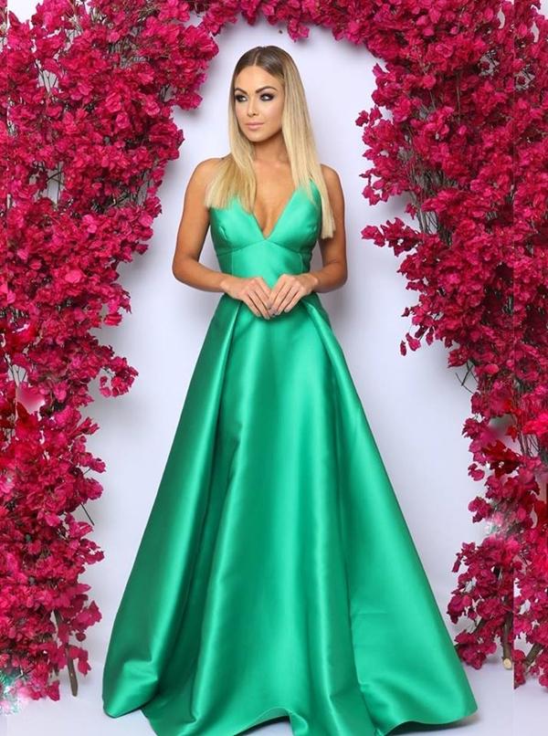 vestido verde longo saia princesa