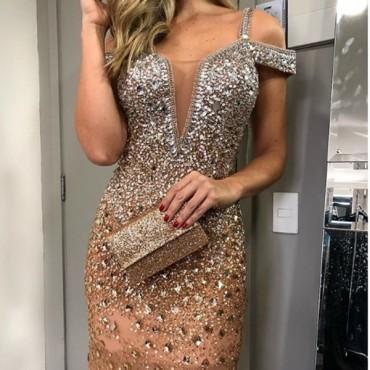 vestido longo com brilho
