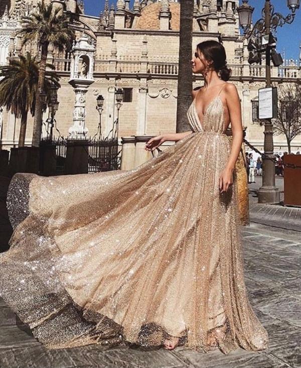 vestido de festa com brilho longo