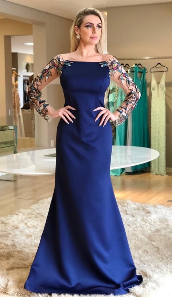 vestido azul royal com manga longa