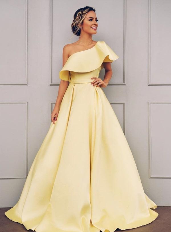 vestido longo amarelo estilo princesa