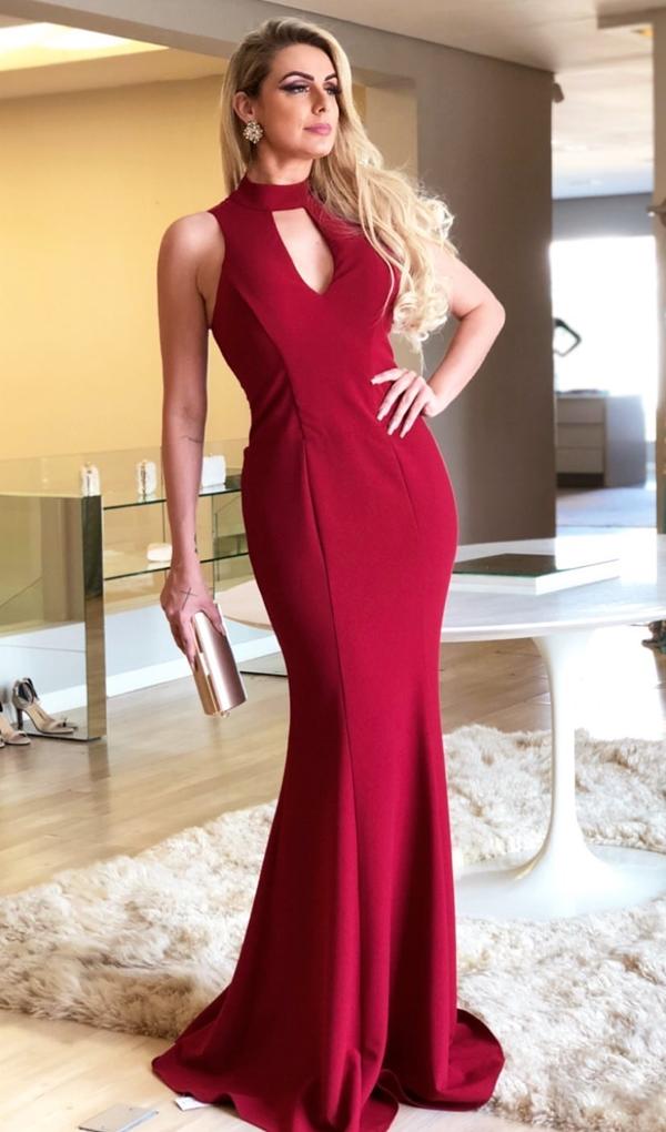 vestido longo vermelho com gola alta