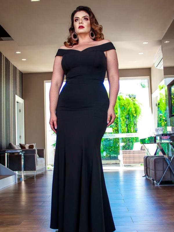 vestido de festa preto longo plus size