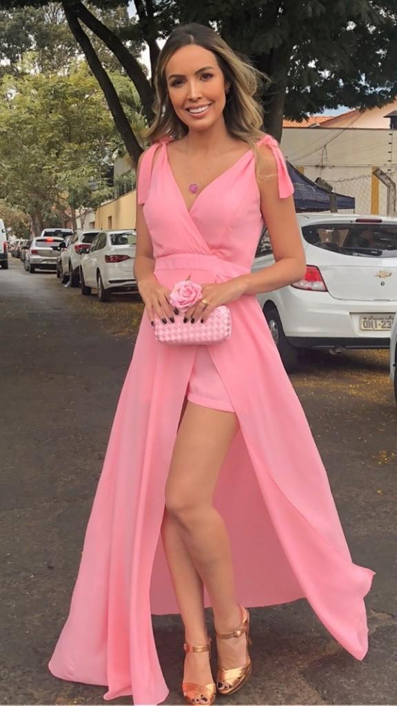 vestido longo rosa claro com fenda