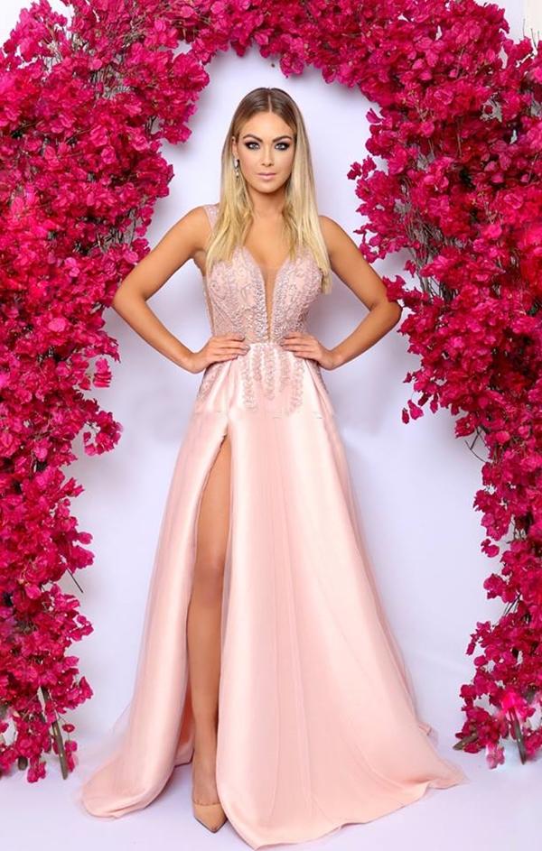 vestido rose com fenda
