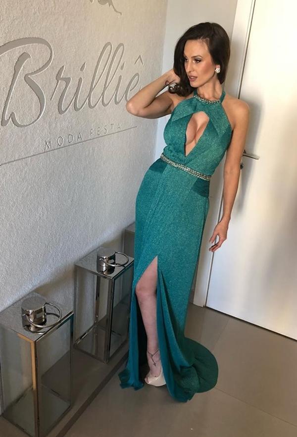 vestido verde longo com brilho