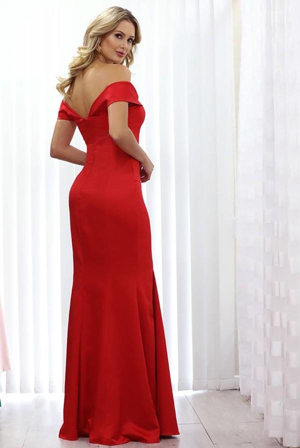 vestido longo vermelho minimalista