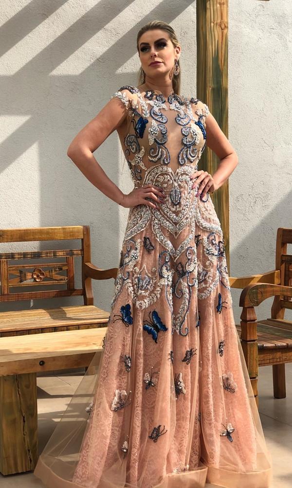 vestido de festa bordado longo