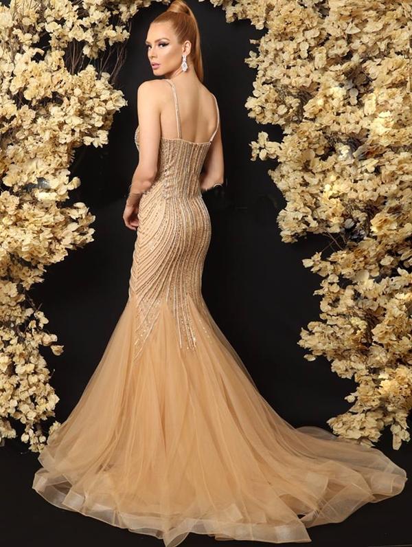 vestido dourado longo modelo sereia