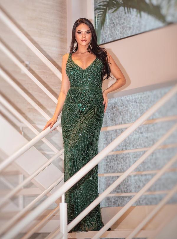 vestido verde longo bordado