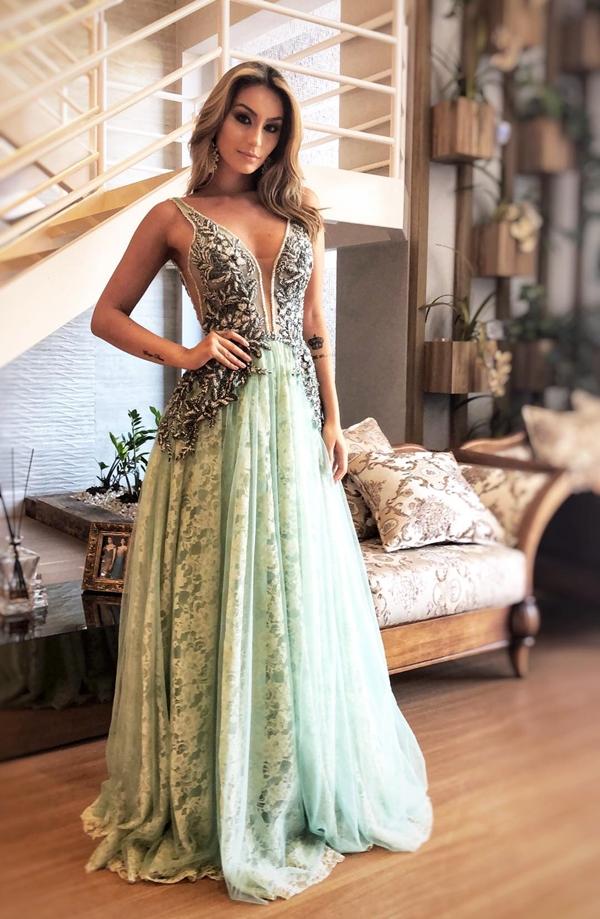 vestido verde longo saia renda