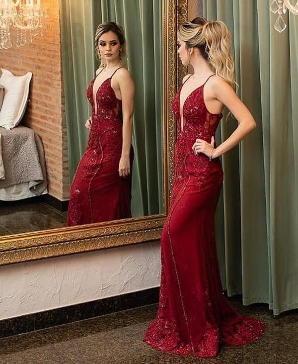 vestido bordado longo vermelho