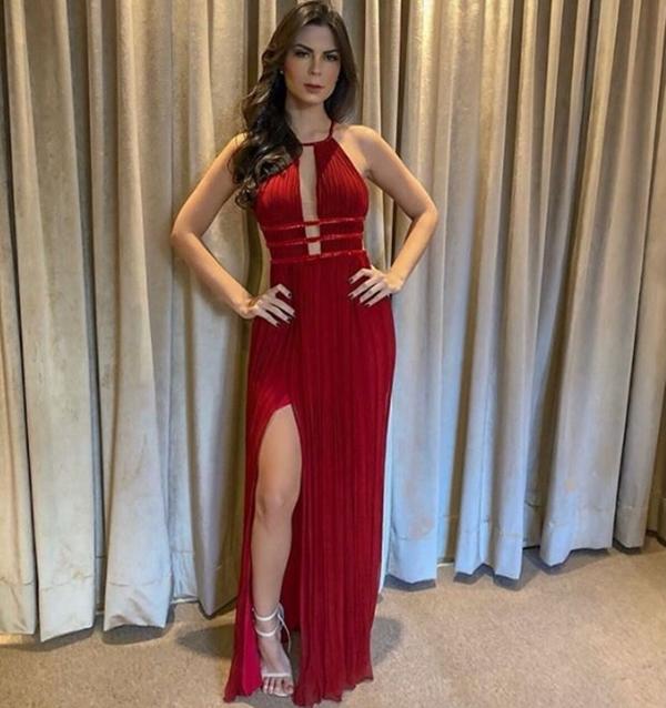 vestido longo vermelho fluido