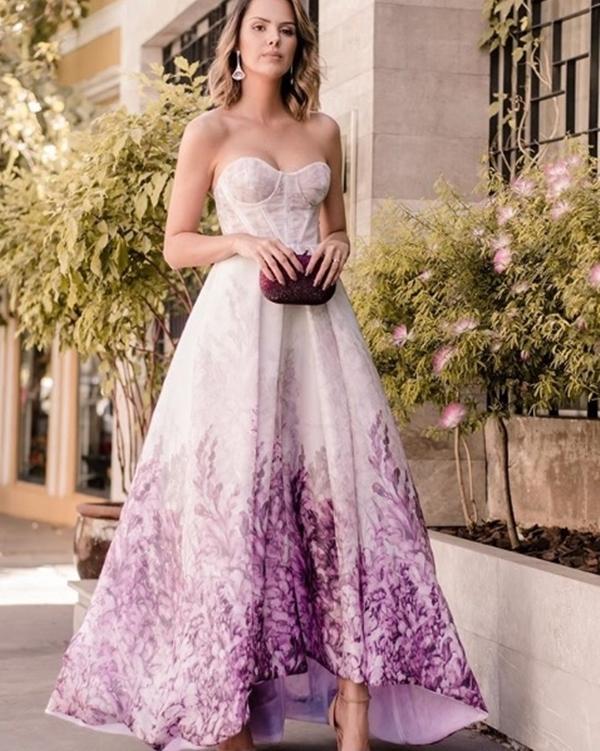 vestido corpete longo violeta