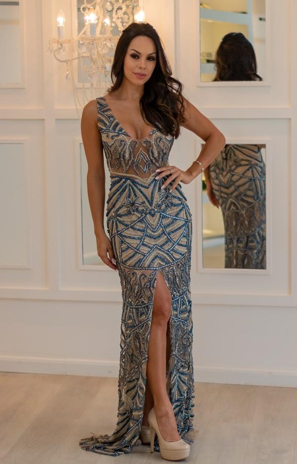 vestido longo bordado azul