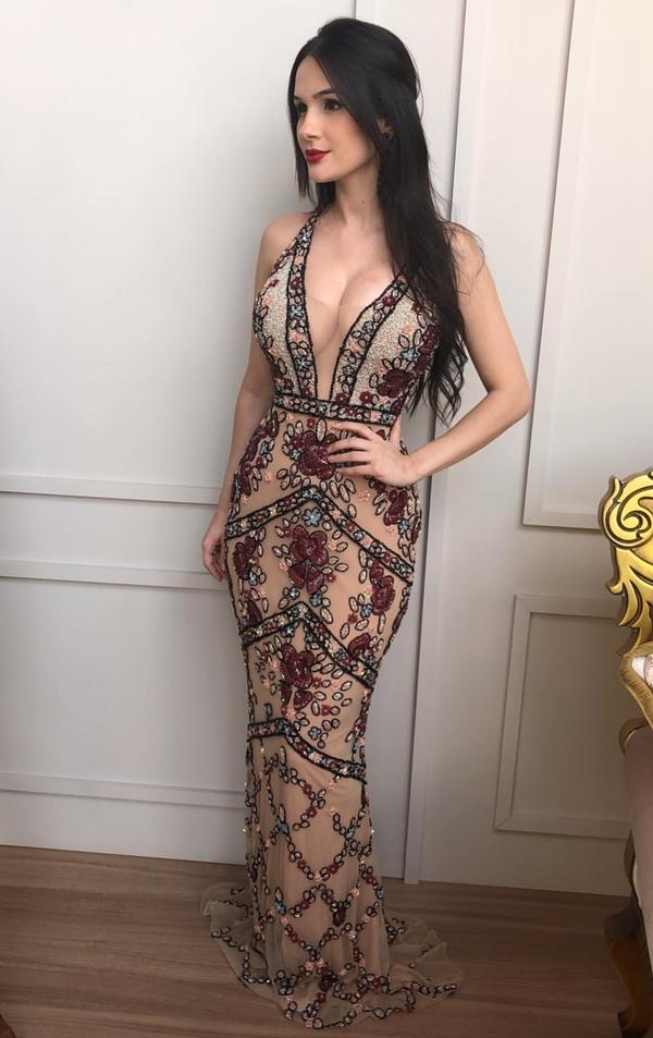 vestido longo bordado
