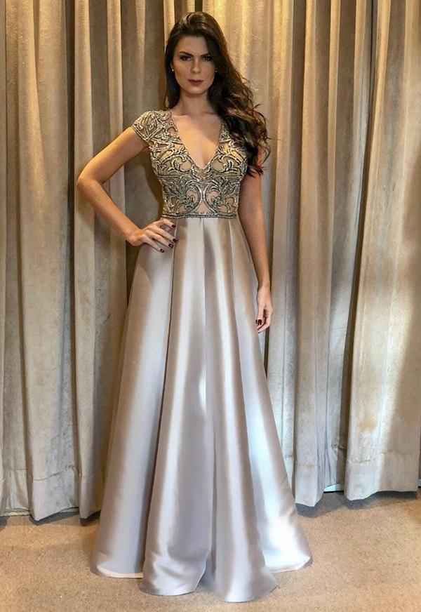 vestido de festa prata estilo princesa