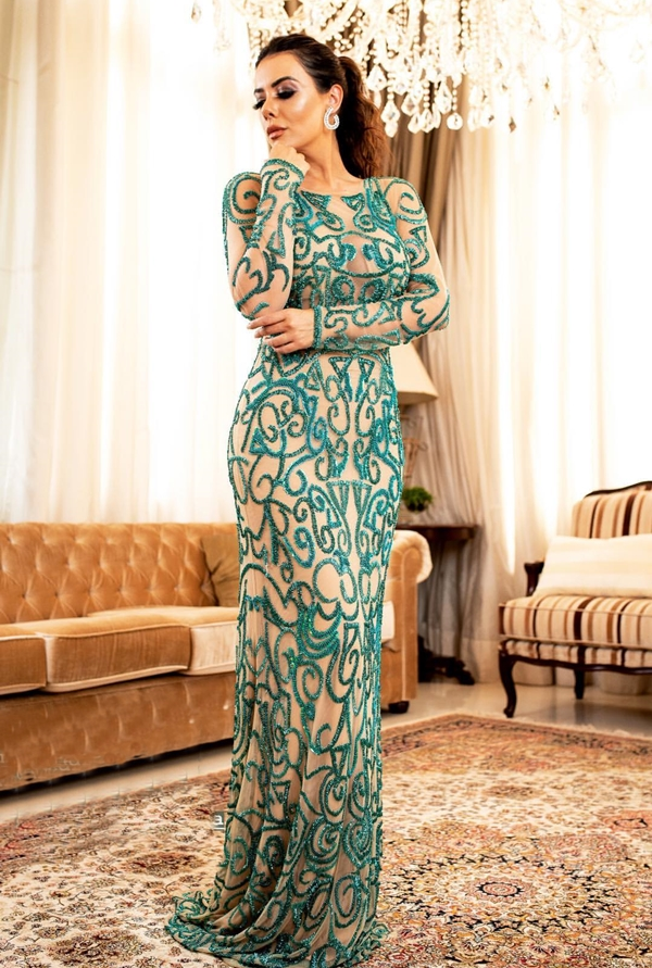 vestido longo bordado verde com manga longa