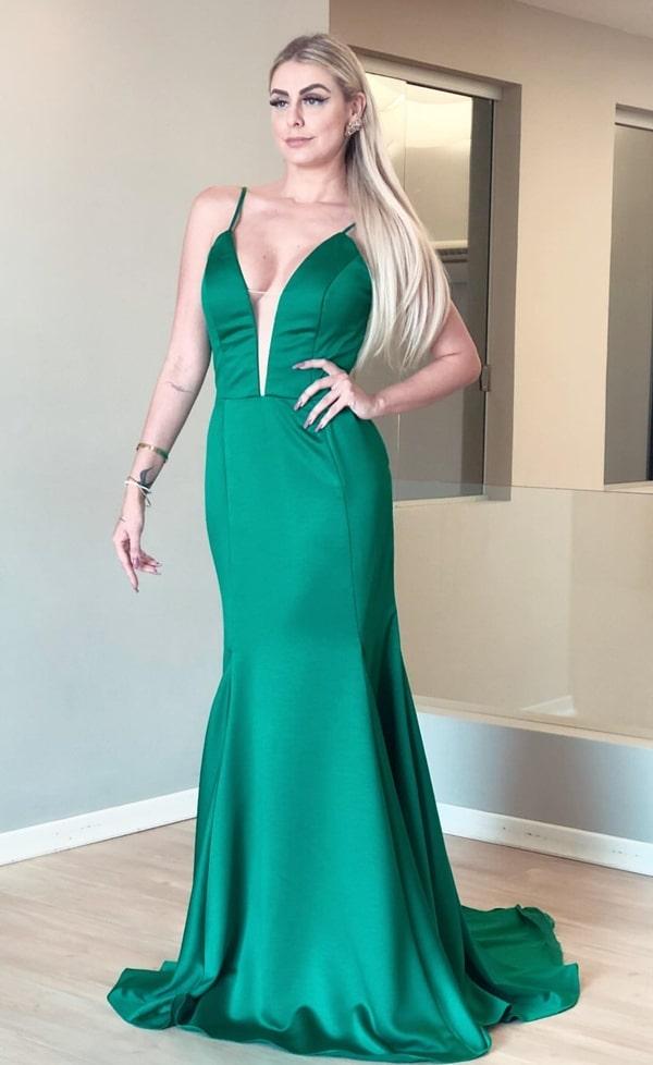vestido de festa longo verde alfaiataria minimalista