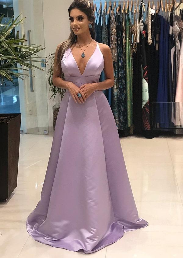 afcbb137d 28- Aquele modelo clássico e elegante que não tem erro! À venda na loja  Livia Ribeiro, contato no 32.98886-3223.