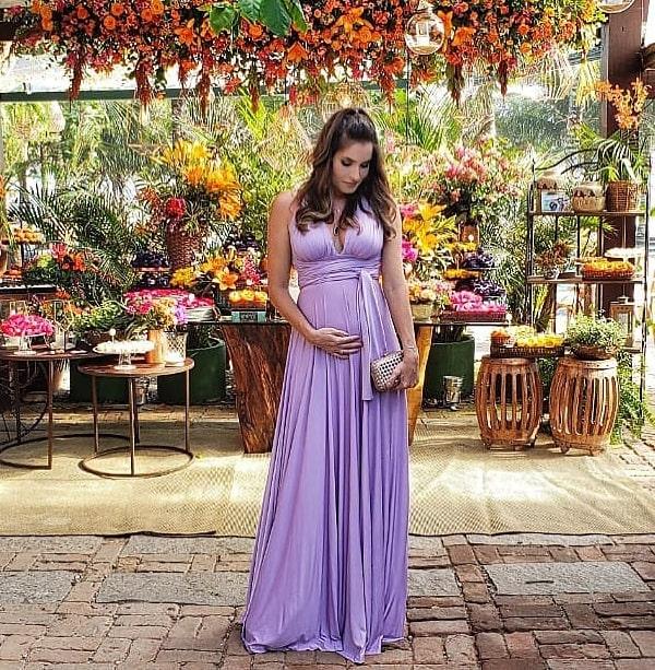 vestido longo lavanda para madrinha gestante